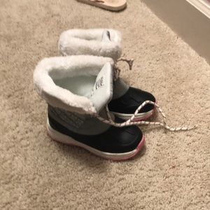 Carters Girls size 12 snow boats
